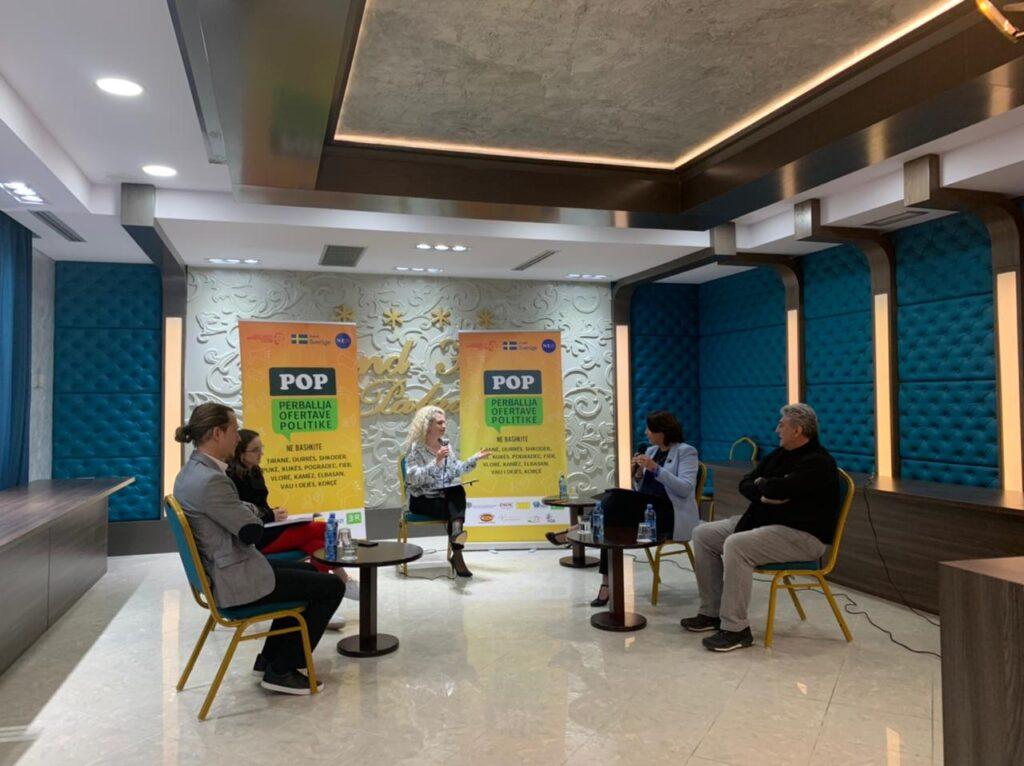 Public Forum, Korça